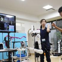★♪ サイボーグ型ロボットの体験学習 ★♪