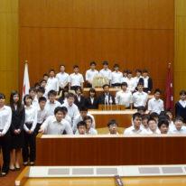 山口県議会見学を行い、議会の重要さを学びました!