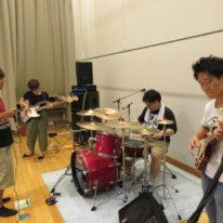 バンドサークル猛練習中♪